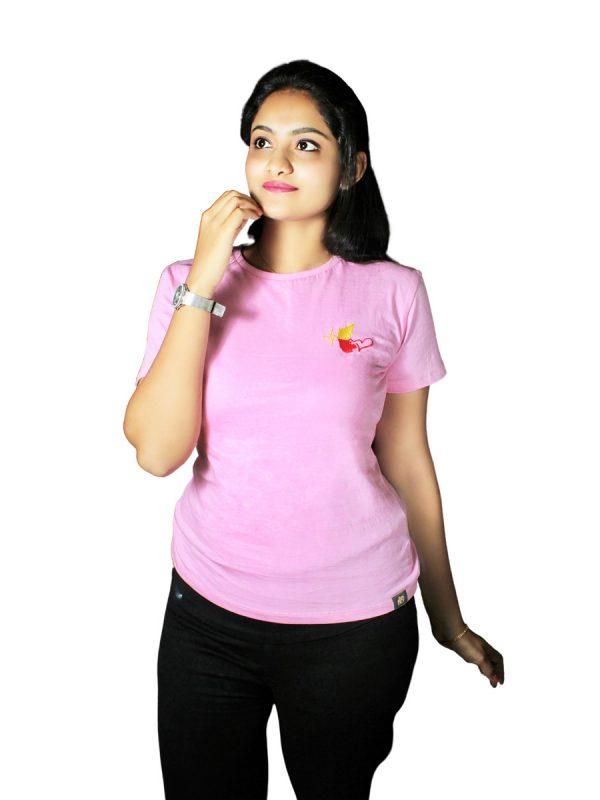 Hemmeyaka Kannadathi Kannada T-Shirt. Best Kannada Womens Tshirts buy on Rashtrakoota.com.